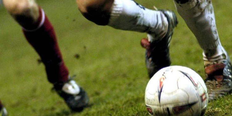 Σοκ: Δολοφόνησαν ποδοσφαιριστή έξω από το σπίτι του